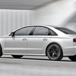 RS246_Audi_S8_plus_002